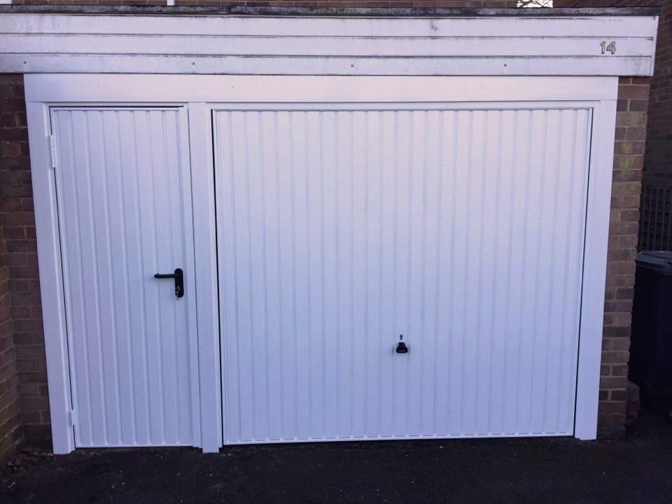 Bon Garador Carlton With Matching Personnel Doors 1