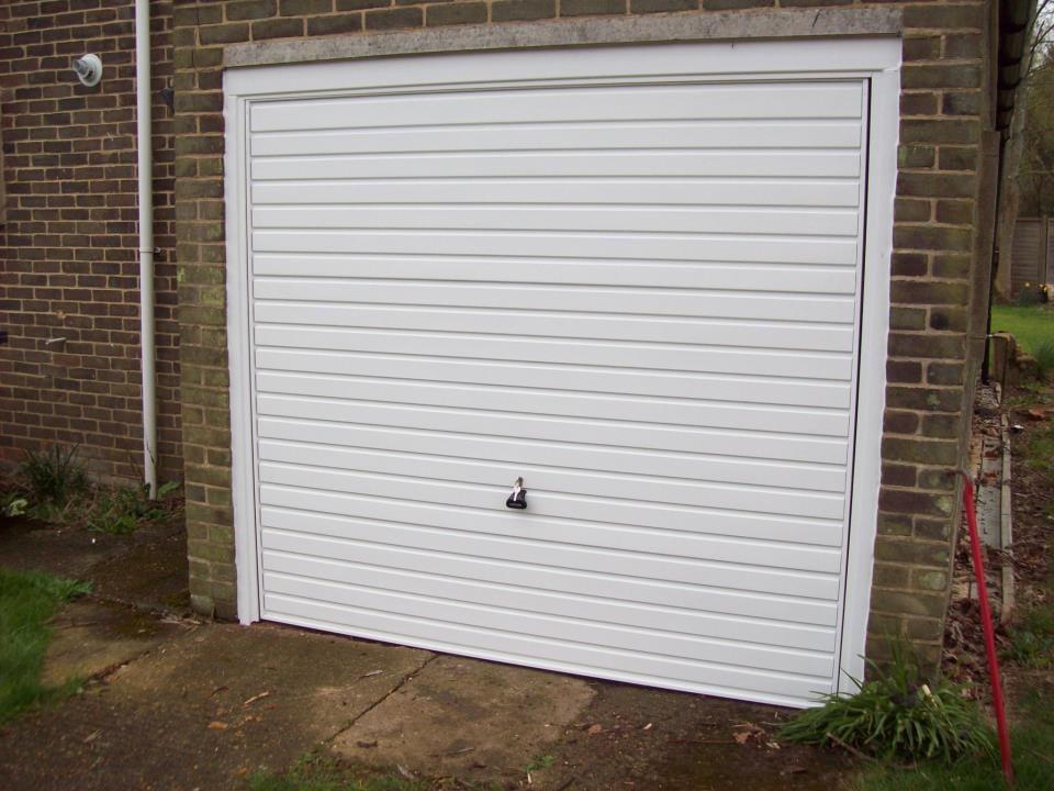Garage Doors Surrey | Servicing, Installation & Repairs in Surrey | UK