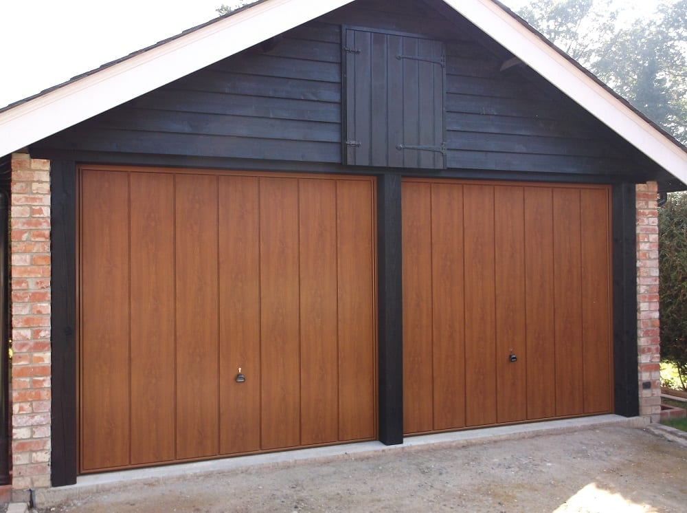 Garage door repairs gosport hampshire local garage door for Garage door materials