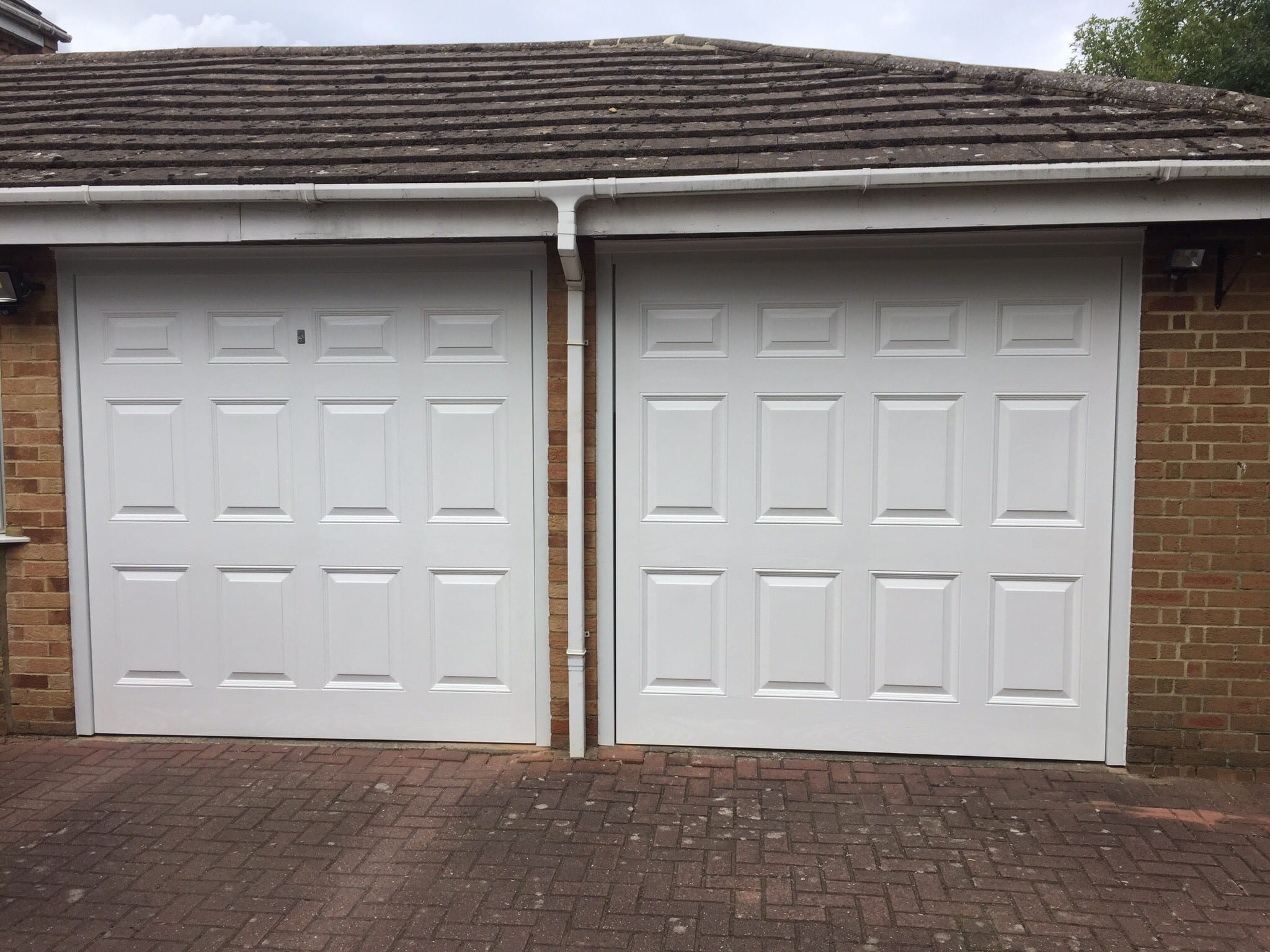 Seceuroglide insulated sectional garage door georgian cassette - Garador Georgian Retractable Up And Over Garage Doors